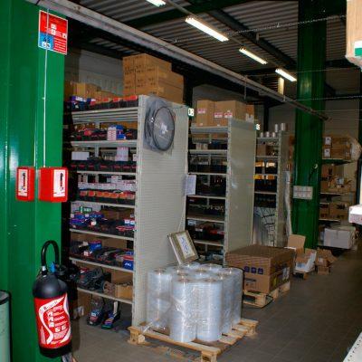 STOCKAGE Léger : Rayonnage métallique Tubulaire pour pièces