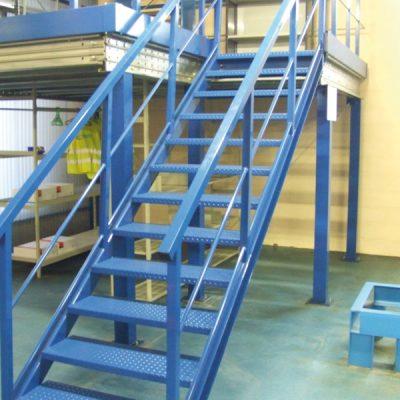 Plateforme mezzanine de stockage