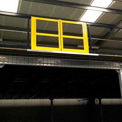 STOCKAGE : plateforme / mezzanine industrielle : barriere ecluse