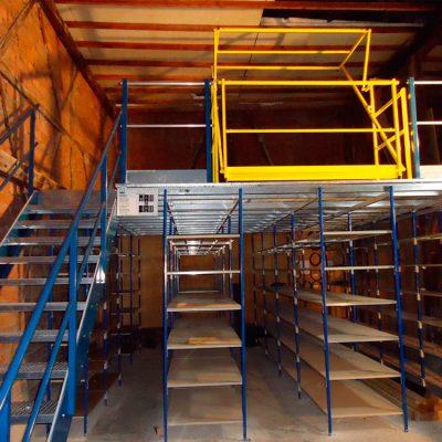 plateforme de stockage sur rayonnage industriel