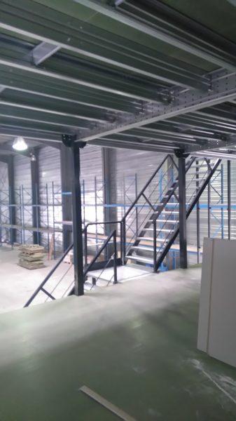plateforme de stockage sur 2 niveaux