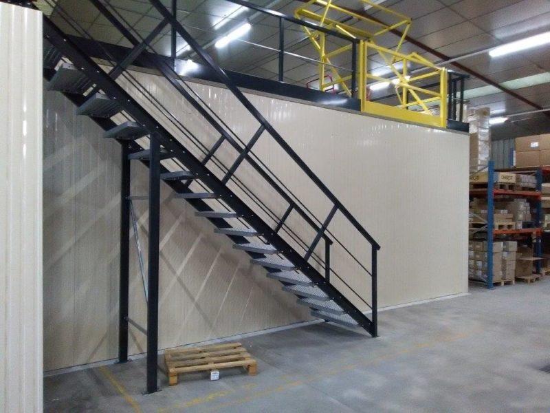 plateforme et mezzanine de stockage
